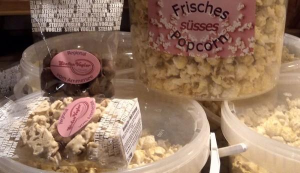Mandeln, Nüsse, Popcorn, Schokolade aus der Region